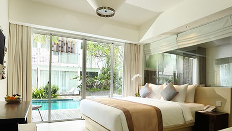 akmani legian grand deluxe suite with pool access